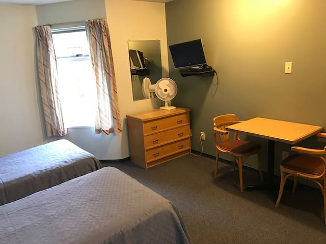 #310 Self-contained, double occupancy suite