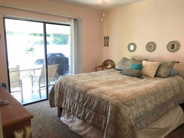 Cozy Room in Sunny Naples, FL