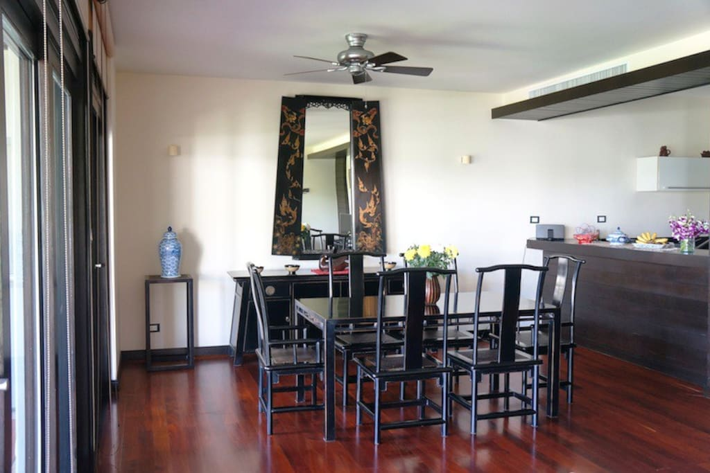 Dining area, open floor kitchen with bar stools