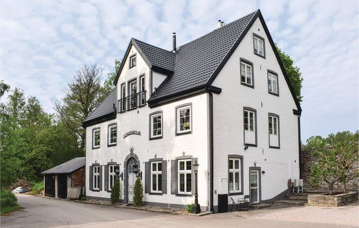Nice home in Klippan with Sauna, WiFi and 7 Bedrooms