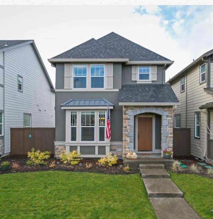 Portland single family home near Intel& Nike& wine