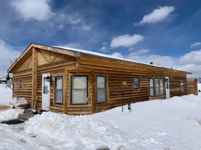 Gorgeous Mountain Cabin Retreat, Sleeps 10!