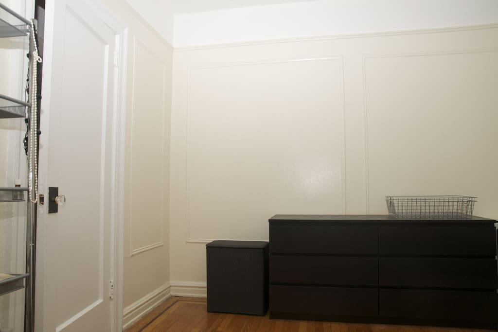 Large Apartment in Astoria 1 BDRM
