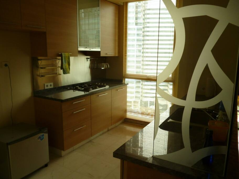 Enough kitchen space to cook