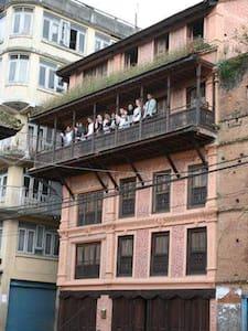Matan Chhen - escape from Kathmandu to Panauti