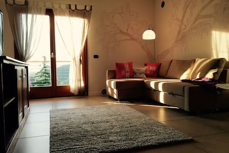 Sole e silenzio a 10 min dal centro - Montevaccino
