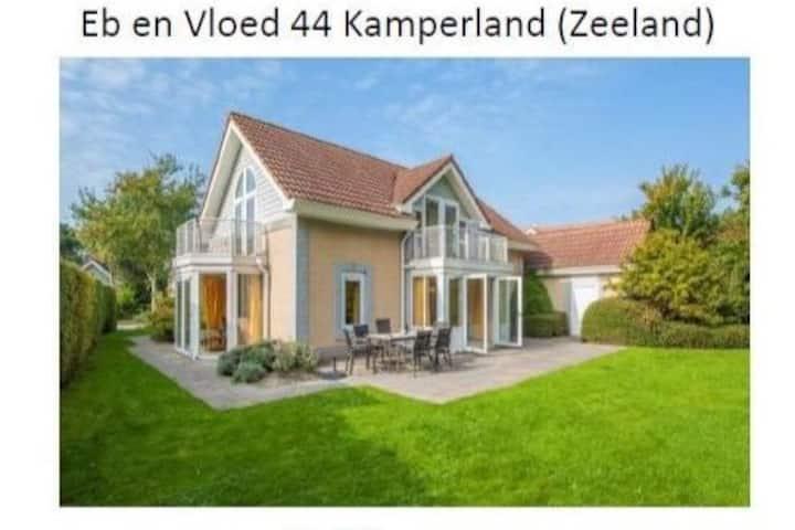 Ruim vakantiehuis in Zeeland Kamperland, Domburg