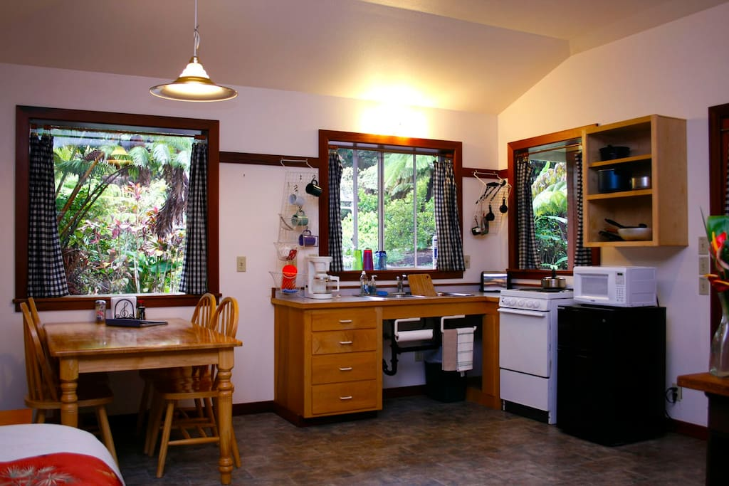 Twin cottage dining and kitchen
