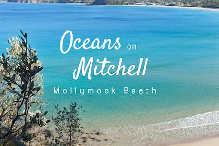 FANTASTIC LOCATION across from Mollymook Beach