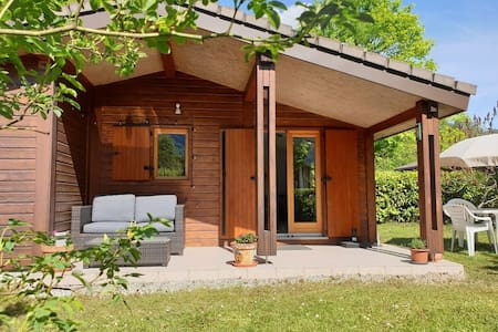 Cosy Cabin - on the shores of Lake Annecy