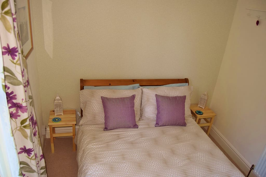 Comfortable double room, bright and peaceful