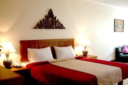 Sunset Room the villa zone - Pattaya - Bed & Breakfast