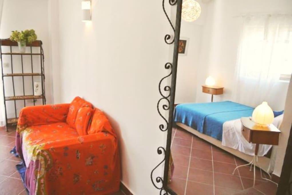 Sunrise room (mirror)