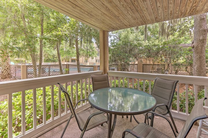 Renovated Hilton Head Condo w/ Pool & Beach!