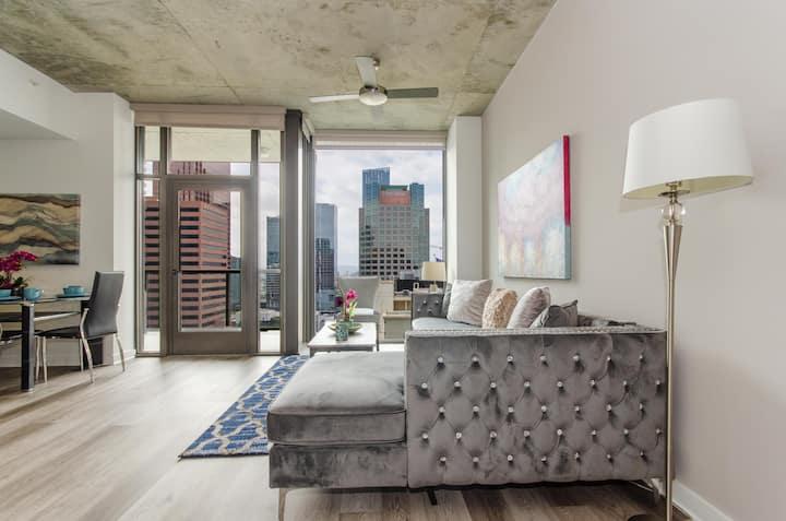 Downtown LA City View Suite