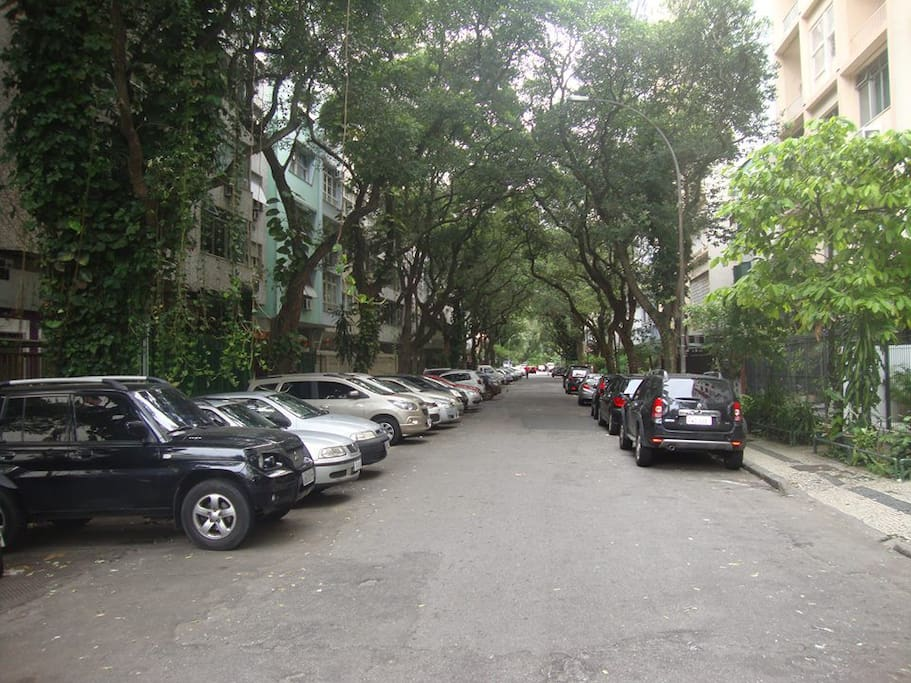 Quarta melhor rua de Copacabana.