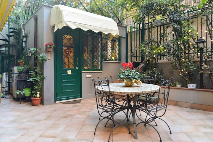Apartament with garden near center - Rome - Huis