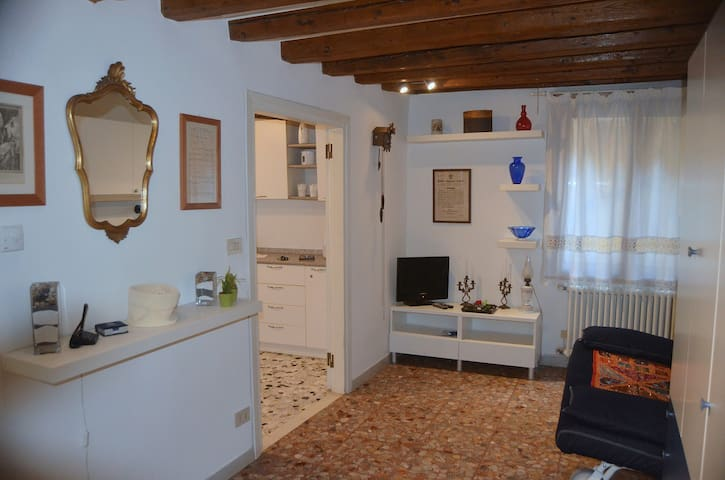 Two rooms in the heart of Venice