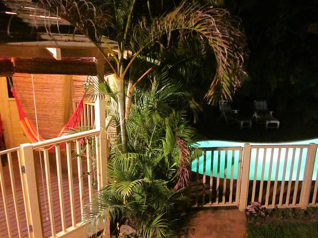 Private Bungalow with own bathroom - Port Macquarie - Huis