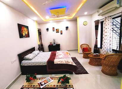 Premium AC Studio with Private Entrance!