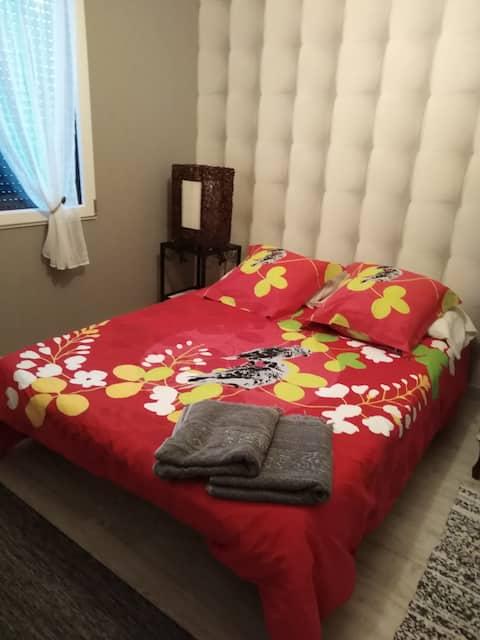 Mooie kamer in nieuw huis ontbijt