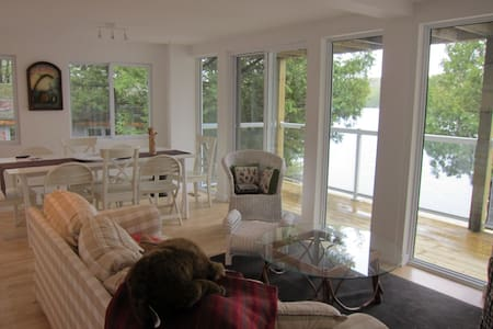 Lake House(Lower):2br awesome view - Tichborne - 独立屋