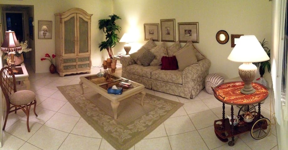 Room for rent, per day, per weekly or per,monthly - Boca Raton