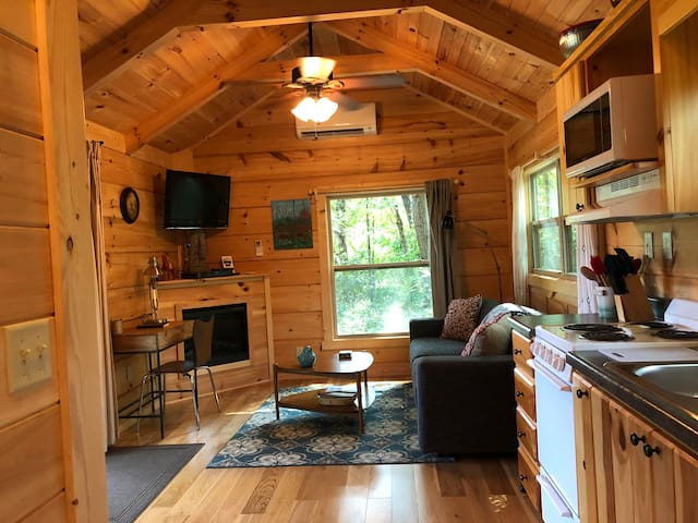 Gorgeous Cabin with Max Comforts nr TIEC Wineries