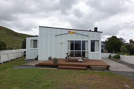 Whangaimoana Beach House
