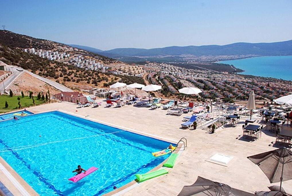 Appartement avec vue mer et piscine appartements louer for Appartement a louer a mohammedia avec piscine