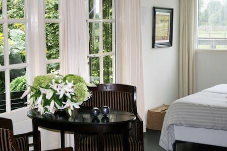 Gastenverblijf in prachtig Zeeland - Bed & Breakfast
