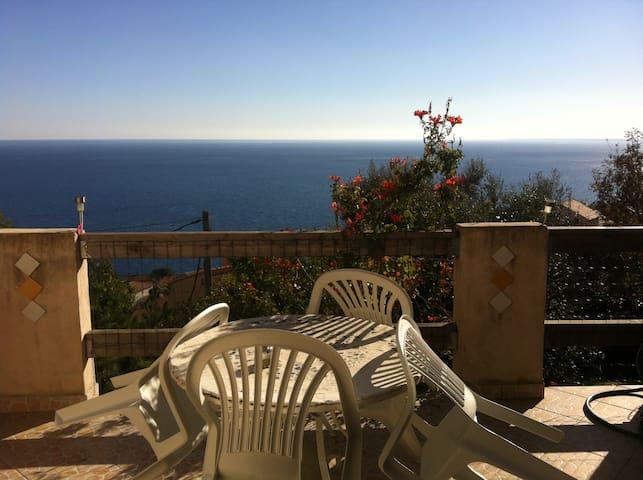 Maison vue sur mer à 5 mn de Bastia - San-Martino-di-Lota - Casa