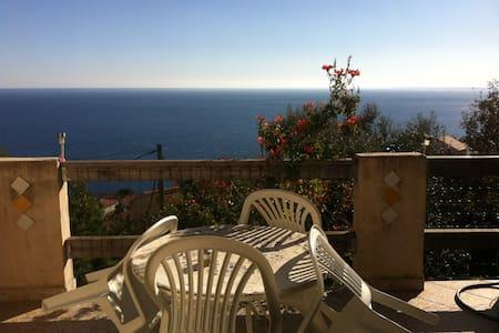 Maison vue sur mer à 5 mn de Bastia - San-Martino-di-Lota
