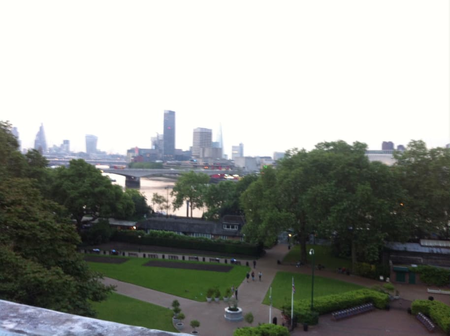 Embankment gardens from the rooftops, lookking out ot the South Bank - 5 mins walk away.