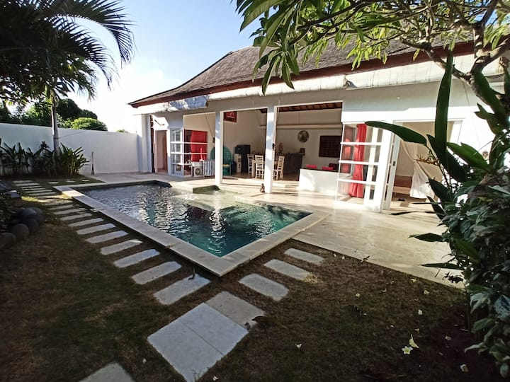 Villa Bahagia: 2 bedrs, 2 bathrs, 1 private pool