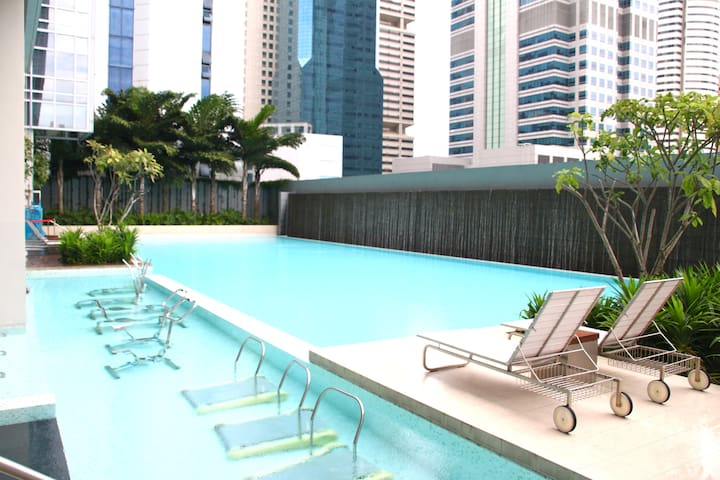 10th floor pool with aqua gym