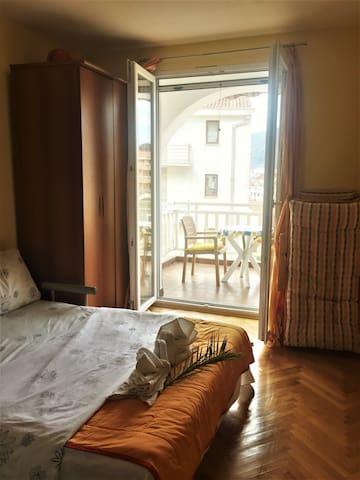 Bedroom with double terrace doors