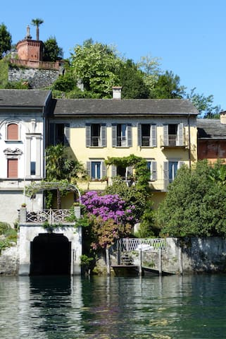 Isola S.Giulio prestigious villa on the lake