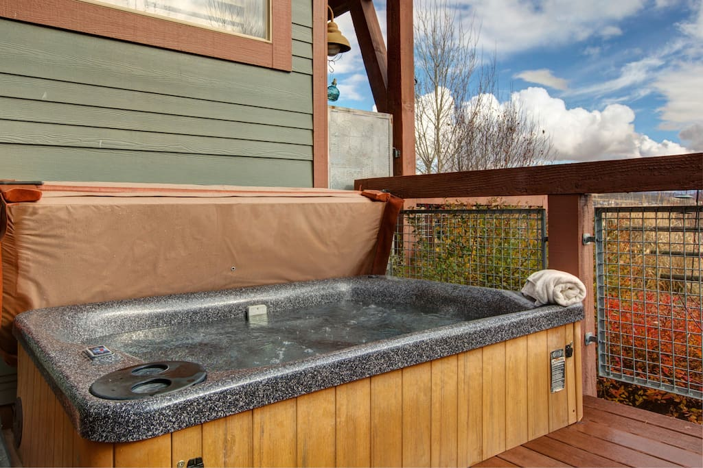After the slopes and trails, hit the hot tub