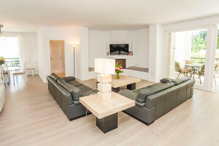 Tranquil ample cozy shining modern LosMonteros Apt - Марбелья - Квартира