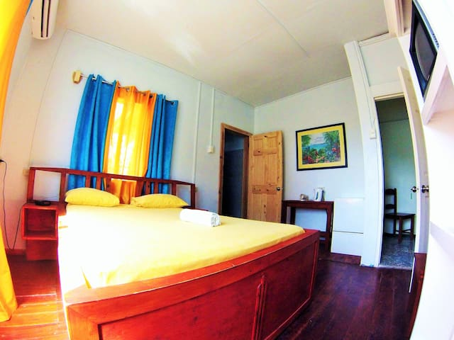 Miller's spacious double room 2 - Buccoo