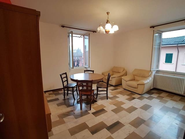 Single private room in CADORAGO,COMO