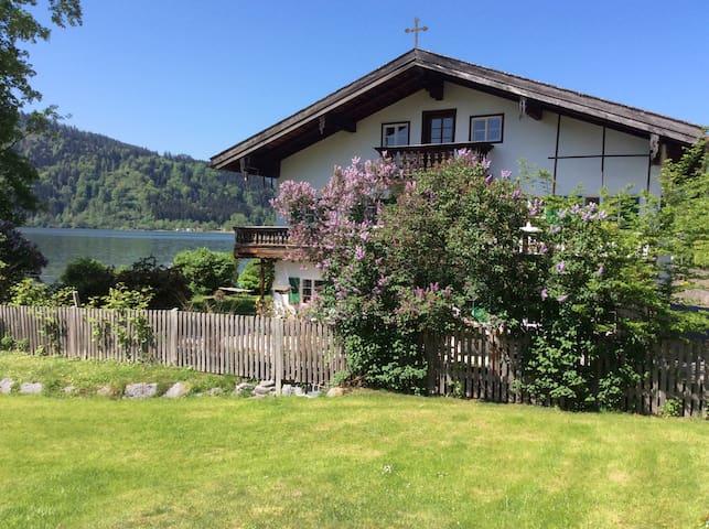 Schliersee Seehäusl, helles Zimmer im Haus am See