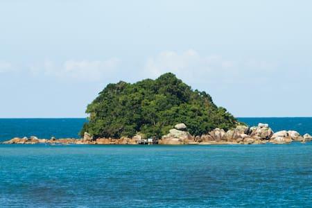 Ilha do Maxiliano - Baia dos Golfinhos #ilhapanek