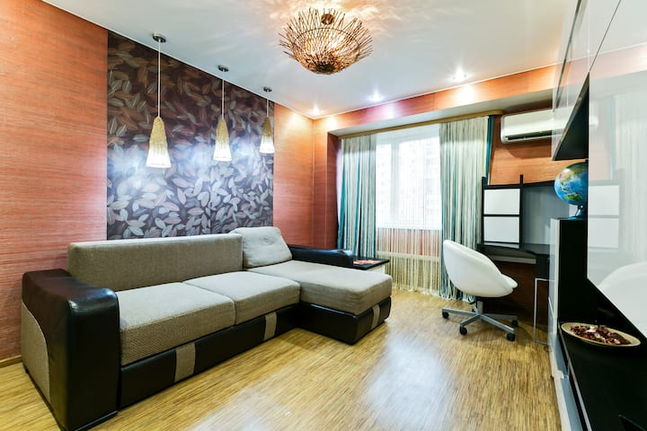 Apartment near a metro station/Квартира у метро