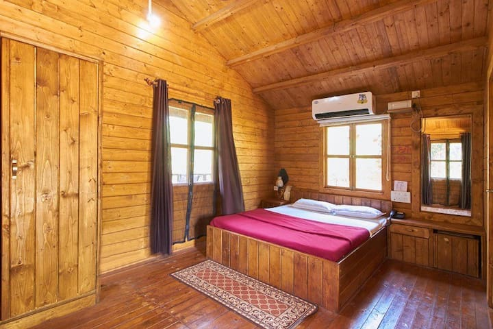 Russian Style Wooden Cottage in Dapoli