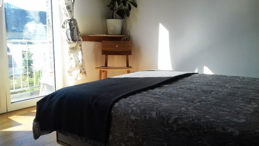 Ideal guest room close to the beach & F1