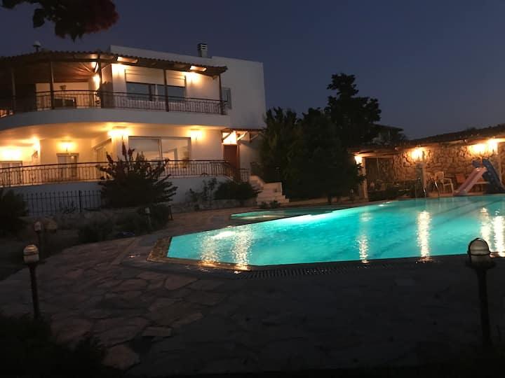 Beautiful Villa - The Three Graces