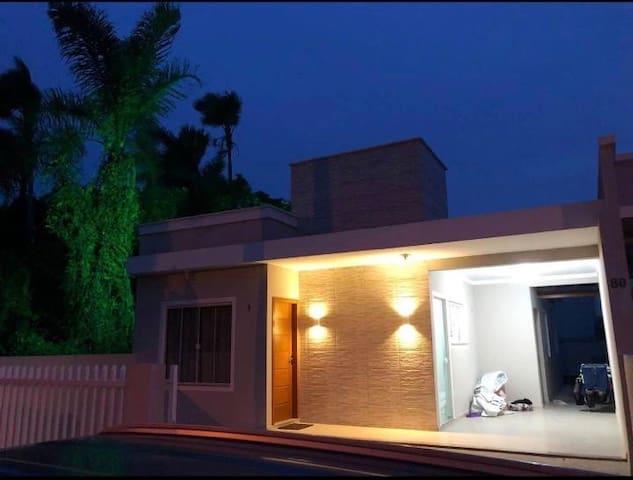 Casa ampla e completa