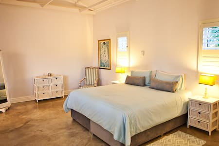 Herma's Guest House - Executive Suite